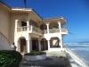 Terrasse hotel bord de mer