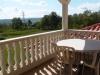 Terrasse avec vue sur arriere pays