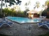 Zwembad met privé bar