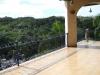 Zicht op de bergen van op een van de terrassen