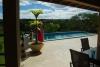 terras met zwembad