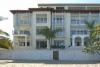 Appartement complex aan strand